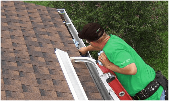 Can You Use A Pressure Washer To Clean Dirty Gutters